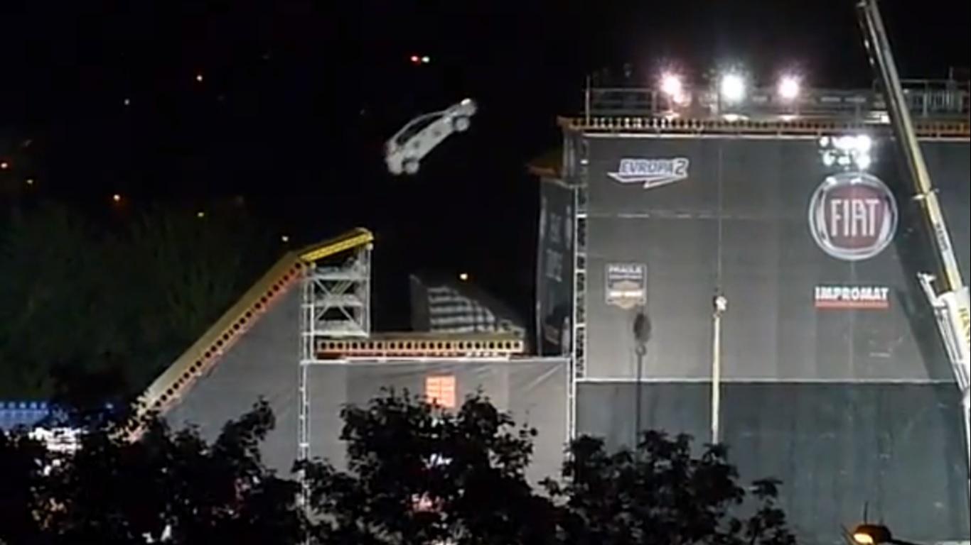 Fiat-Triple-X-Stunt-jump